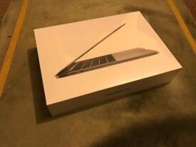 Sealed MacBook Pro 13 Touch Bar 256gb