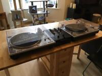 Turntables & Mixer