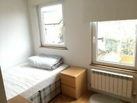 Double rooms in a lovely house in West Ealing