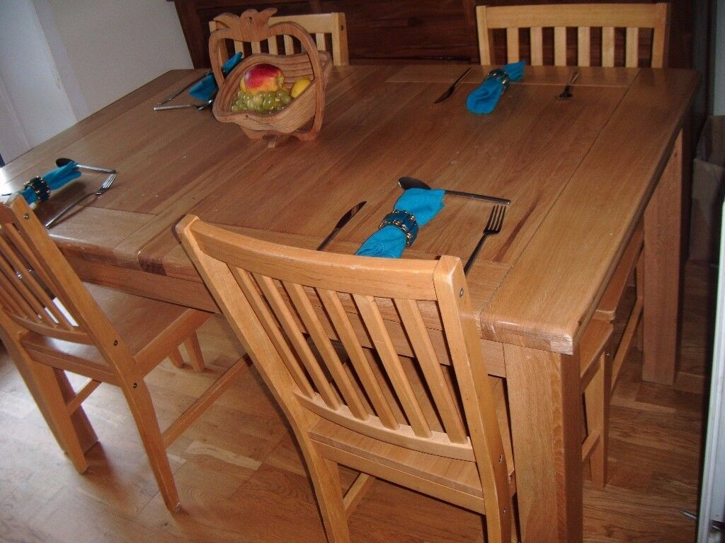 Solid Oak Extending Dinning Table & Chairs Seats up-to 10