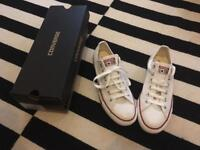 Brand new white low top Converse - Size 7/40