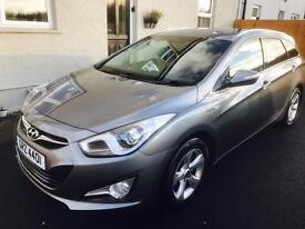 Hyundai i40 blue drive estate