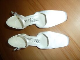 Katz / Katrina Bridal Wedding Shoes, White Satin, Never worn, Size 5