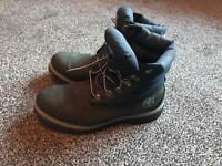 Woman's Timberlands 650 Navy Blue Boots Size 9W