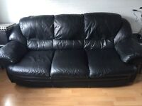 Black leather 3 and 2 seaters settee. Both good condition!!!