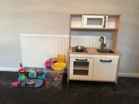 Ikea kitchen and loads of accessories