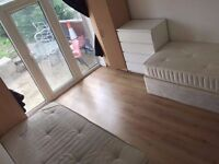 S {NO AGENCY FEES!!} TWO CHEAP DOUBLE ROOMS TWO MINUTES WALK TO DOLLIS HILL STATION!!
