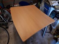 Office desk/ table and chair