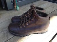Men's Brasher brown Leather Hillmaster walking boots size 8