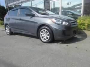 2012 Hyundai Accent 1.6L 5-SPEED HATCH