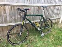 CANNONDALE 'LEFTY' MOUNTAIN BIKE & ACSESSORIES - PERFECT CONDITION