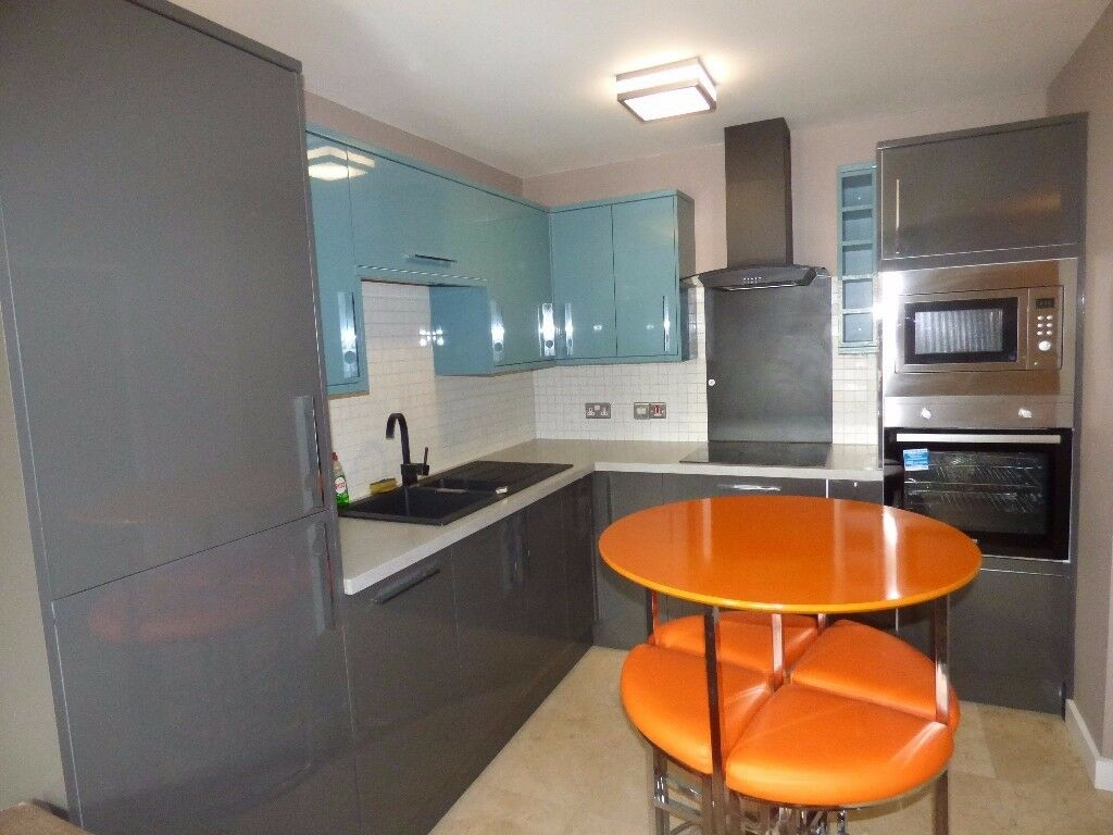 STUNNING & MODERN ONE BEDROOM FULLY FURNISHED APARTMENT TO RENT IN EXCELLENT CONDITION THROUGHOUT