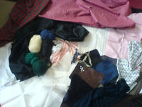 fabric bundle/remnants and wool for sewing/craft (some fabric are 1 metre or more )