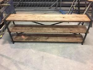 Meuble de télévision en bois et acier