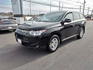 2014 Mitsubishi Outlander SE 4WD - MINT for only $147 bW!