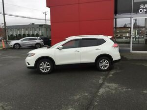 2016 Nissan Rogue SV AWD CVT Local *SUV* No Accidents ! One Owne Comox / Courtenay / Cumberland Comox Valley Area image 2