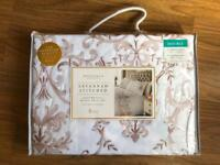 BRAND NEW SAVANNAH GOLD STITCHED DELUXE DOUBLE DUVET SET