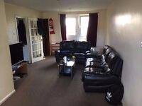 Lovely spacious three bedroom maisonette in Dagenham + free parking