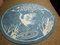 Gorgous round rug