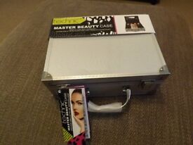 Technic Master Beauty Case **Unwanted Gift - Wrapped and Unused**