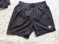 UMBRO brand new mens black shorts size Medium mesh inner !