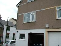 3/4 bedroomed Town house to let central penryn