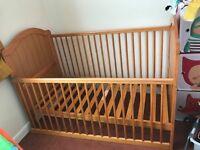 Mamas & Papas cotbed converting into a toddler bed, worth £215