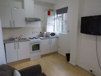 2 Bedrooms Flat in Bayswater, W2 3ET (Students Accommodation for September 2017)