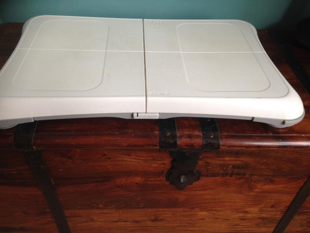 Wii fitin Stoke on Trent, StaffordshireGumtree - Wii fit board in white, used but in Good condition . Bargain price