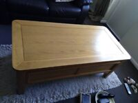 Treville solid oak coffee table immaculate condition L1200mm×W600mm×H500mm