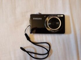 Samsung PL100 compact digital camera