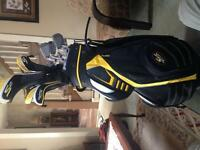 Cobra s2 14 piece golf clubs and cart