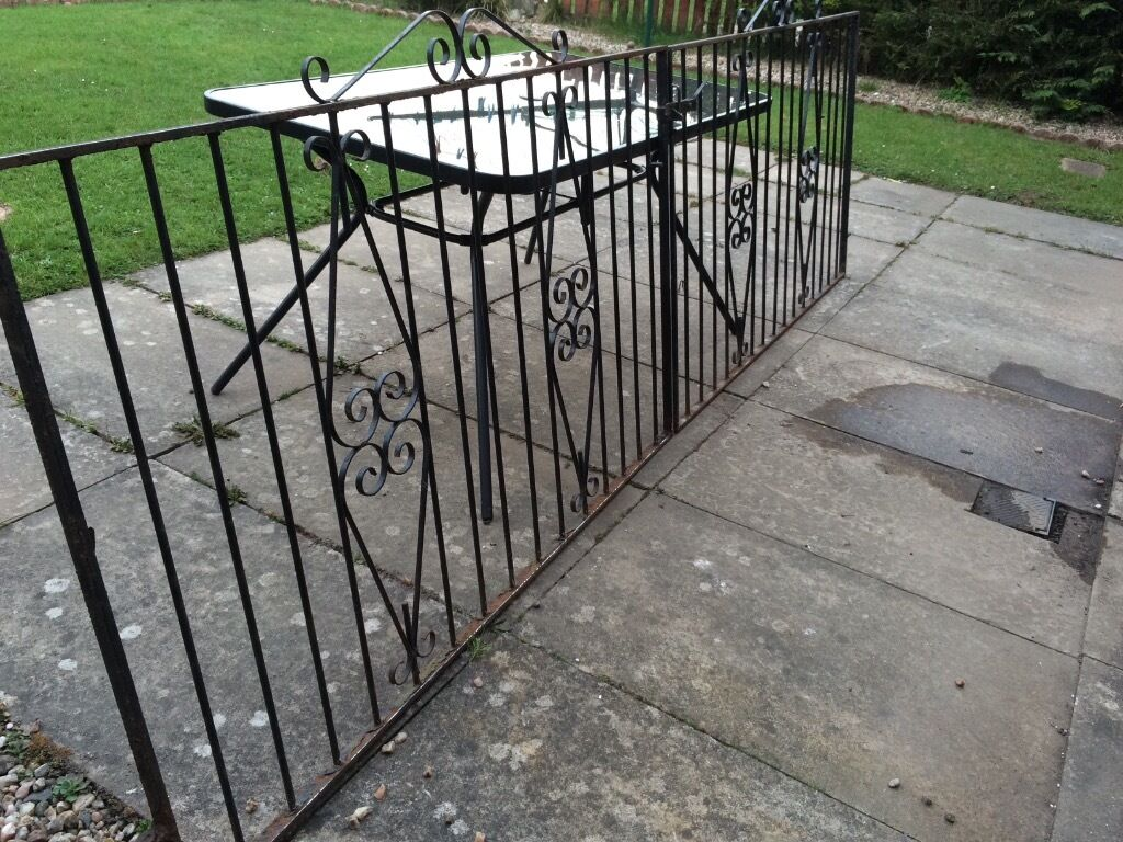 Metal driveway gates in neilston glasgow gumtree for Aluminum driveway gates prices