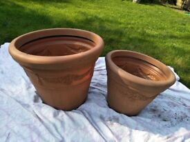 2 USED BROWN PLASTIC PLANTER GARDEN POTS FOR SALE
