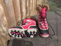 Girls Hi Tec pink fur topped snow boots UK size 3. VGC