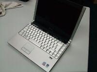 Dell Laptop XPS M1330 Intel Core 2 Duo P8400 @ 2.4 Ghz, 2GB, 250GB, Windows Vista Business