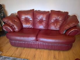 leather 3+1+1 setee and chairs