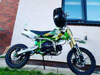 M2R 125 pitbike *used once*