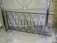 WROUGHT IRON STAIR AND LANDING BANISTERS