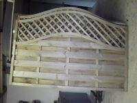 2 ornamental trellis panels
