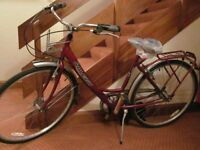 Ladies Dutch style sit up and beg bike Raleigh 'Caprice' Excellent condition. Not used since service