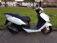 Lexmoto 125cc Scooter 125 Motorcycle learner legal Twist and Go 2016 Ex Cond Like Vespa Piaggio SYM