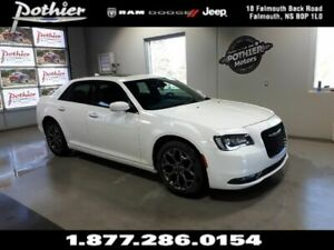 2018 Chrysler 300S | AWD | SUNROOF | HEATED SEATS | 8.4 TOUCHSCR