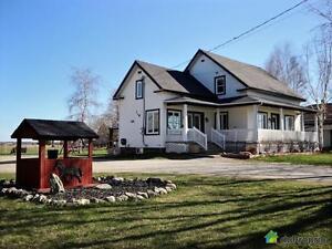 229 900$ - Maison à un étage et demi à vendre à Victoriavill