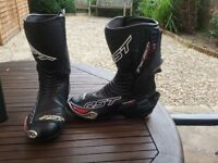 RST race boots