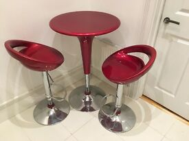Modern Bar table with 2 chairs, excellent condition