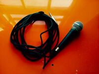 Shure SM58 professional microphone with cable
