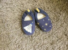 White Company Slippers 11/29