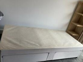 Single divan bed with two draws