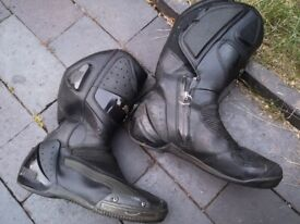 Goretex motorcycle boots, Puma, UK7/EUR 41, only 30 quid